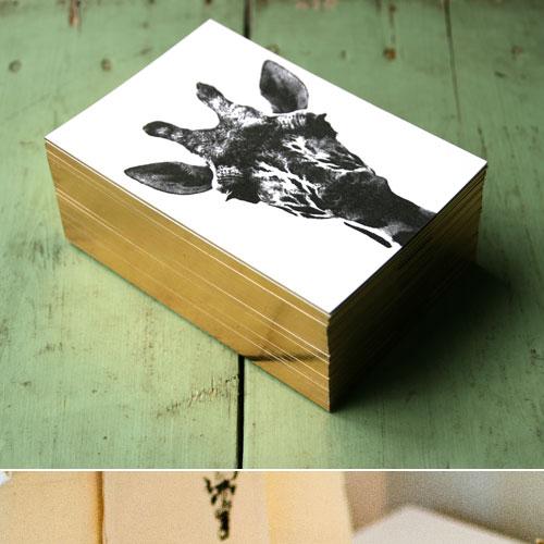 letterpers_letterpress_geboortekaartje_colette_giraffe_goud_opzijkant_foto_chocolade_doosjes_ue