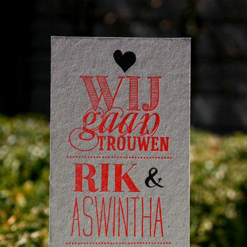 letterpers_letterpress_Rik_Aswintha_trouwkaart_relief_grijskarton_ue