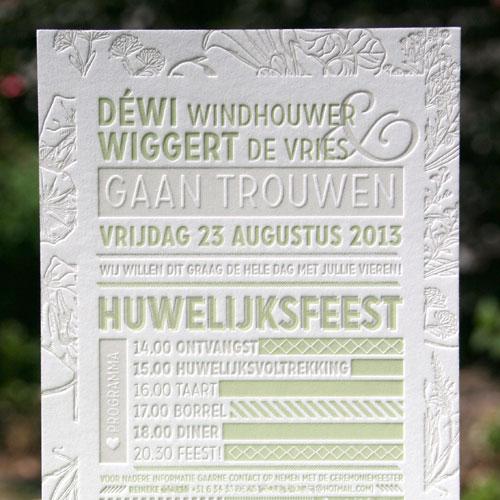 letterpers_letterpress_trouwkaart_wedding_Dewi_Wiggert_bloemen_groen_goud_zijkant_speciale_mooiste_ue