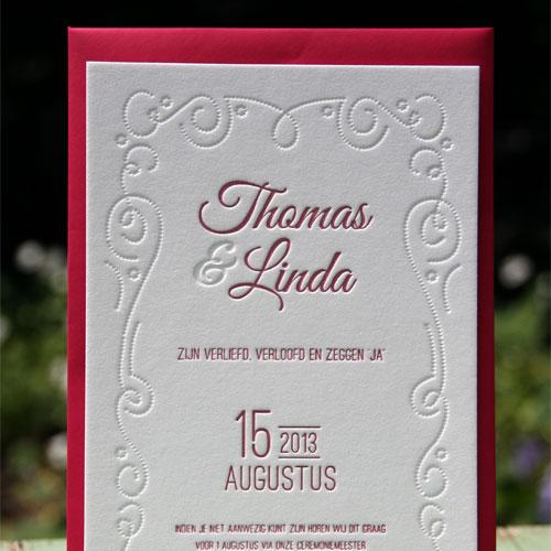 letterpers_letterpress_trouwkaart_Thomas-en-Linda_donker-roze_grijskarton_ue