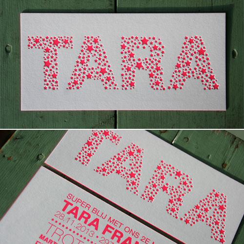 letterpers_letterpress_geboortekaartje_Tara_roze_fluor_neon_sterretjes_kleur-op-snede_ue