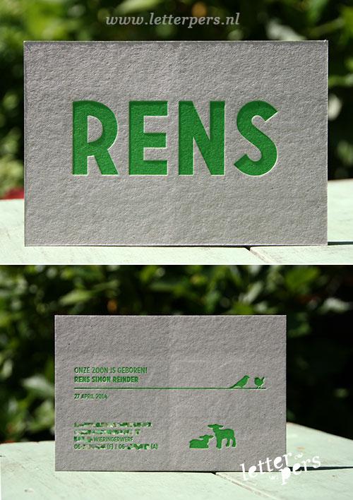 letterpers_letterpress_geboortekaartje_rens_groen_strak_grijskarton_hertjes_vogels