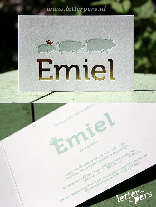 letterpers_letterpress_geboortekaartje_emiel_varkens_goud_folie_lichtblauw_kroon_klassiek