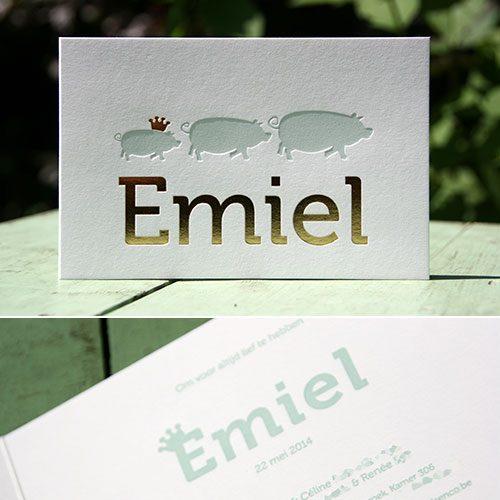 letterpers_letterpress_geboortekaartje_emiel_varkens_goud_folie_lichtblauw_kroon_klassiek_ue