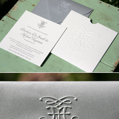 letterpers_letterpress_trouwkaart_Micheal_Barbara_Belgie_hoesje_envelop_preeg_relief_logo_zilver_glim_klassiek_modern_ue
