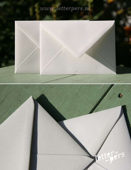 letterpers_letterpress_geboortekaartje_trouwkaart_envelop_beste_kwaliteit_uitstekende_dikke_licht_grijs_off_white_mooi