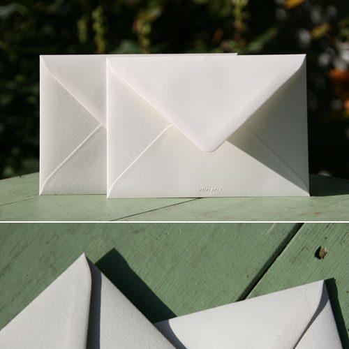 letterpers_letterpress_geboortekaartje_trouwkaart_envelop_beste_kwaliteit_uitstekende_dikke_licht_grijs_off_white_mooi_ue