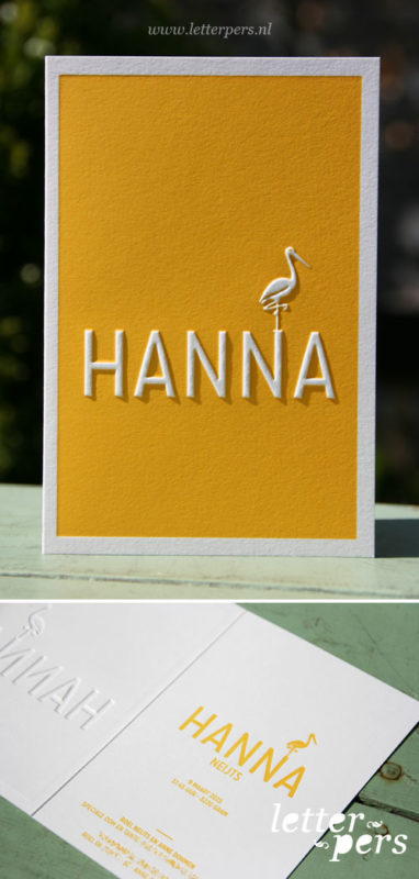 Ooievaar met preeg gele kleur geboortekaart meisje