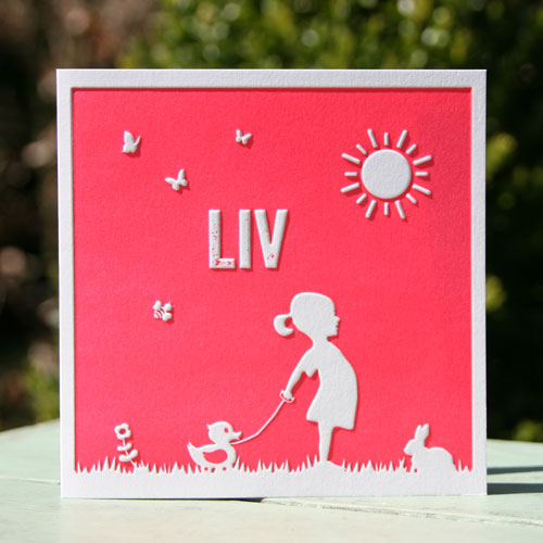 Letterpers Letterpress geboortekaartje birthannouncement Liv meisje silhouette eendje zon gras konijn bloem fluor neon roze pink relief prage ue