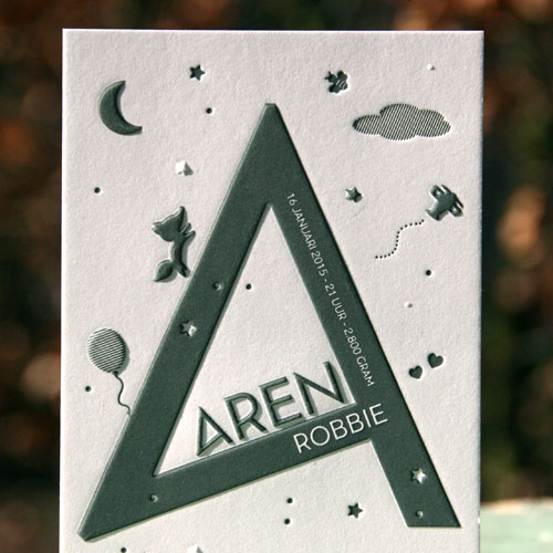 Geboortekaartje Aren met een grote 'A' op de voorkant
