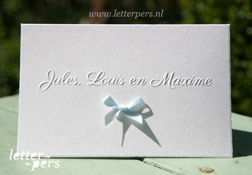 Letterpers_Letterpress_geboortekaartje_birthannouncement_drieling_tweeling_Jules_Louis_Maxime_oud_hollands_strik_strikje_preeg