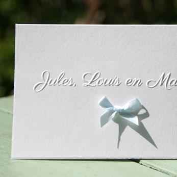 Letterpers_Letterpress_geboortekaartje_birthannouncement_drieling_tweeling_Jules_Louis_Maxime_oud_hollands_strik_strikje_preeg_eu
