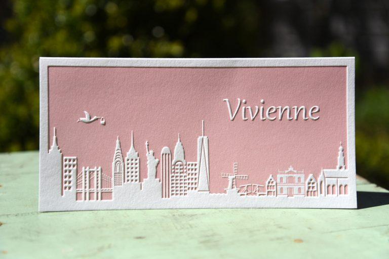 Letterpers_letterpress_geboortekaartje_Vivienne_skyline_new york_Haarlem_ooievaar_relief-2-0584
