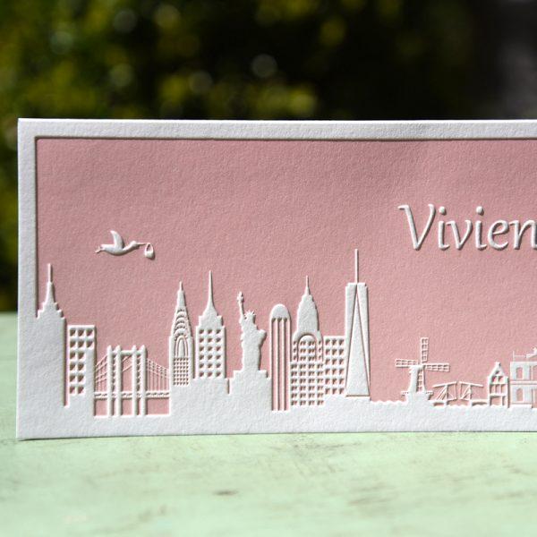 Letterpers letterpress geboortekaartje Vivienne skyline new york Haarlem ooievaar relief