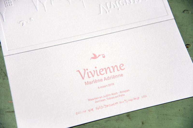 Letterpers_letterpress_geboortekaartje_Vivienne_skyline_new york_Haarlem_ooievaar_relief-2-0586