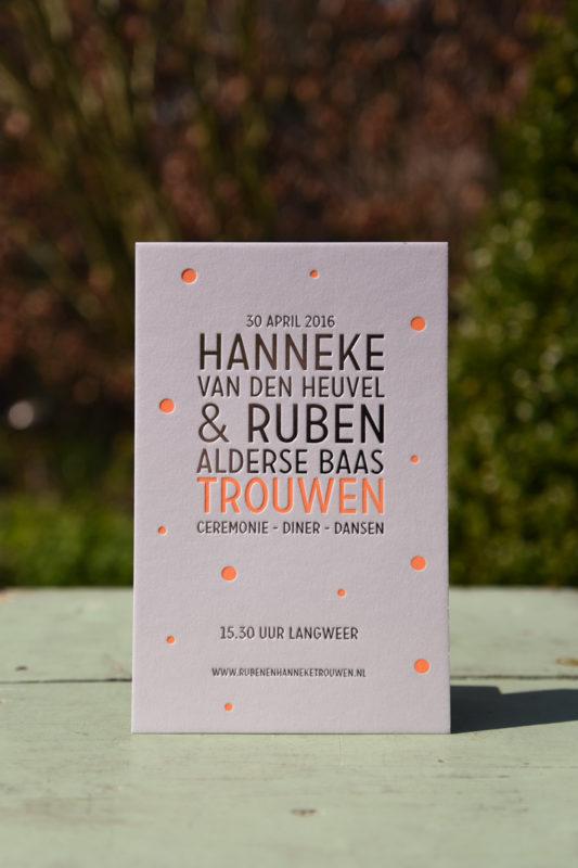 Letterpers_letterpress_geboortekaartje_trouwkaart_Hanneke_Ruben_folie_fluor_neon_orantje-2-9676