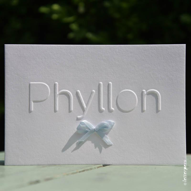Letterpers-Letterpers-geboortekaart-Letterpers-Letterpers-geboortekaart-Phyllon-strikje-zijde-DSC-1095