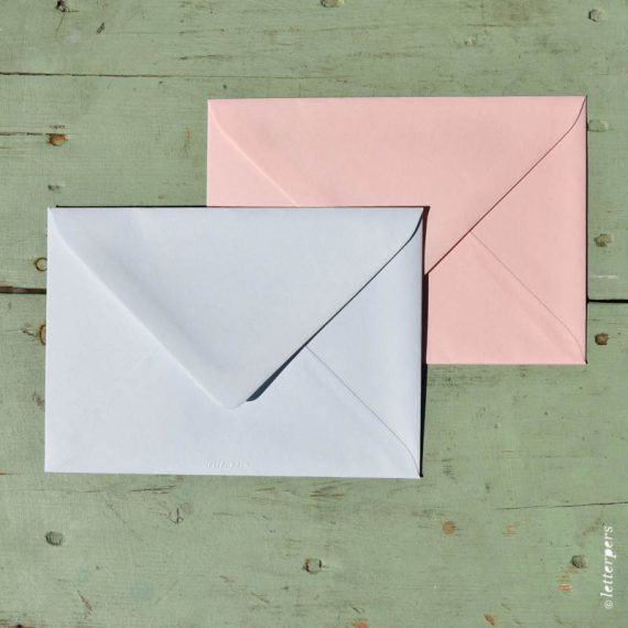 Letterpers-Letterpers-geboortekaart-DSC_3720_roze_blauw_envelop
