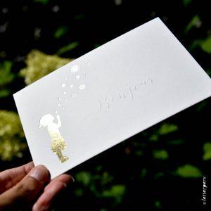 Letterpers-Letterpers-geboortekaart-DSC_3809_bonjour_envelop_meisje_bellenblaas