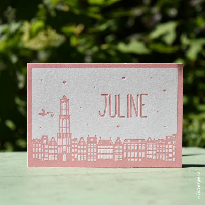 skyline kaartje meisje in het roze gedrukt