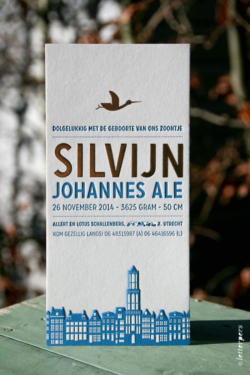 Letterpers geboortekaart Silvijn met folie en skyline Utrecht