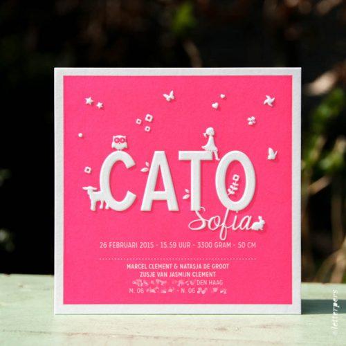 Letterpers geboortekaart Cato in fluor roze