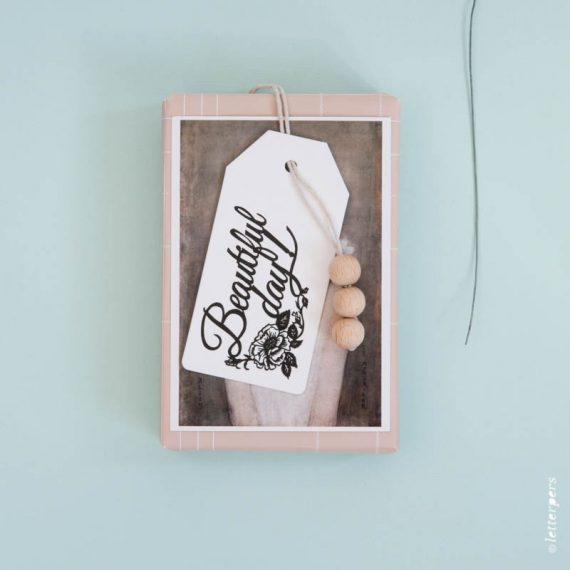 letterpers-letterpers-geboortekaart-happymakersblog_label-whisperingpaper