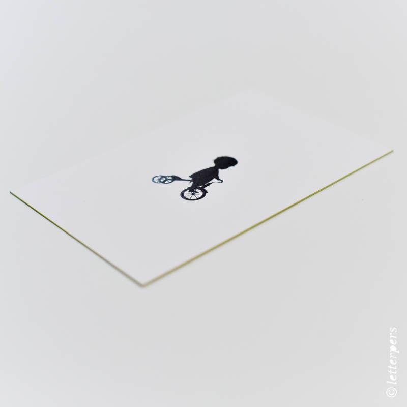 letterpers, letterpress, jongen op fiets, kleur op snede, folie zilver, kraft envelop