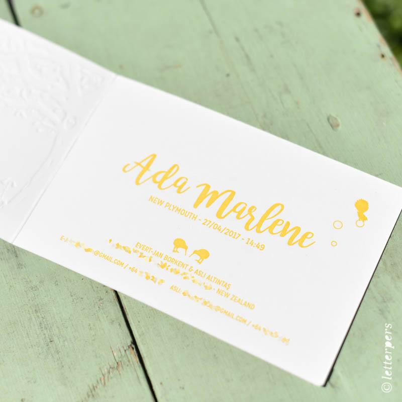 Letterpers geel kaart dochter meisje kiwi