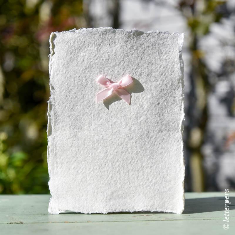 geschept papier handgemaakt geboortekaartje letterpers letterpress klassiek
