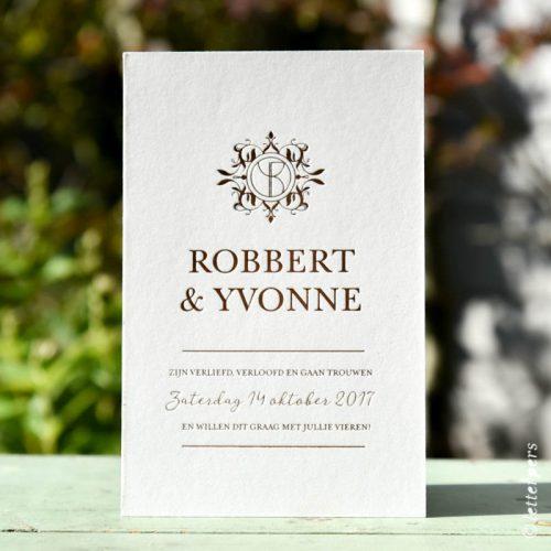 Trouwkaart met verdiepte folie / wedding invite in foil