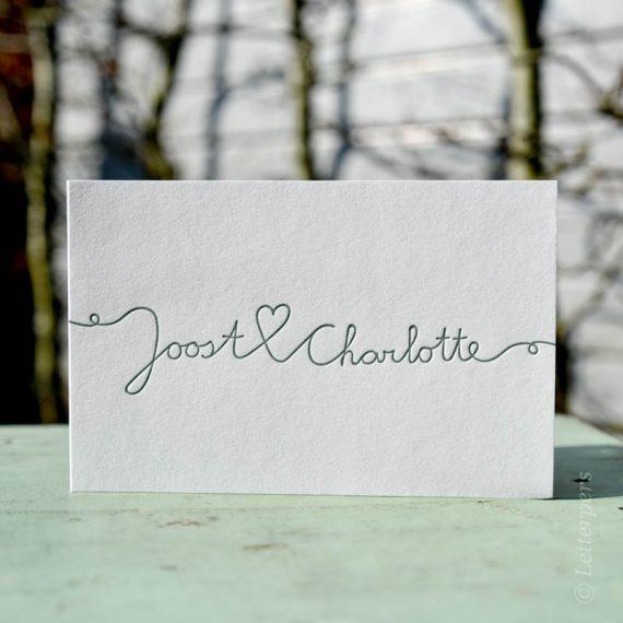 Uitnodiging trouwen letterpers letterpress met 1 kleur verdiept in het papier.