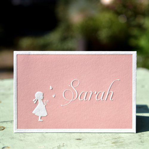 Roze kaartje voor Sarah met preeg