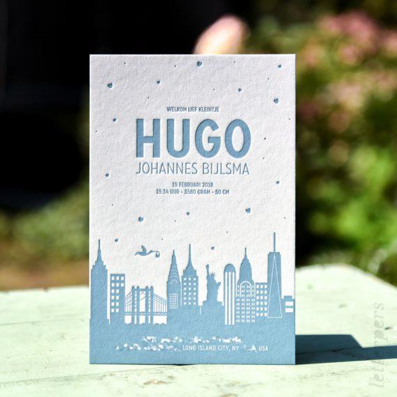 Geboortekaartje Hugo met kleur op de zijkant, New York, the Big Apple