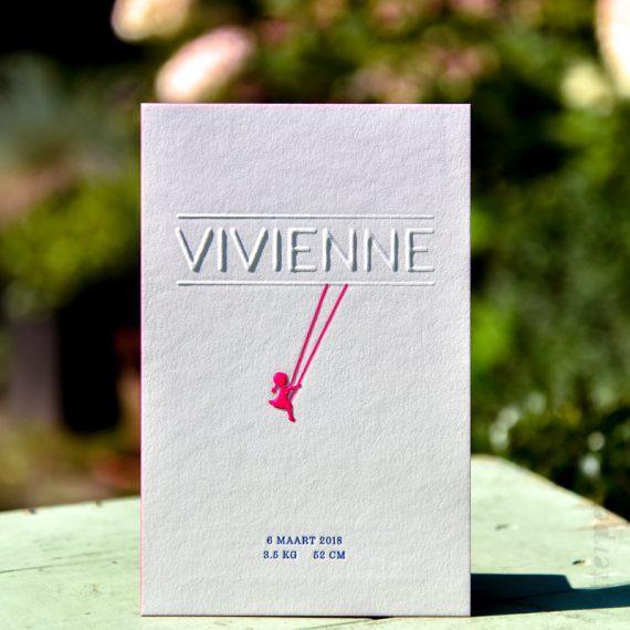 Kaartje Vivienne met fluor, blauw, preeg en kleur op snede, letterpers