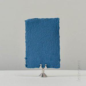 donkerblauw handgeschept papier