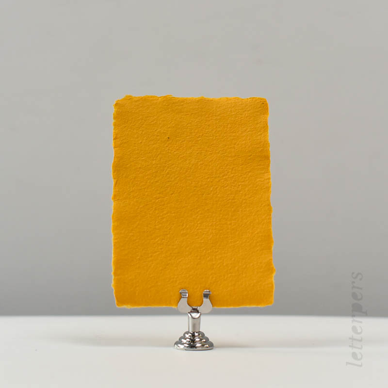 geel handgeschept papier